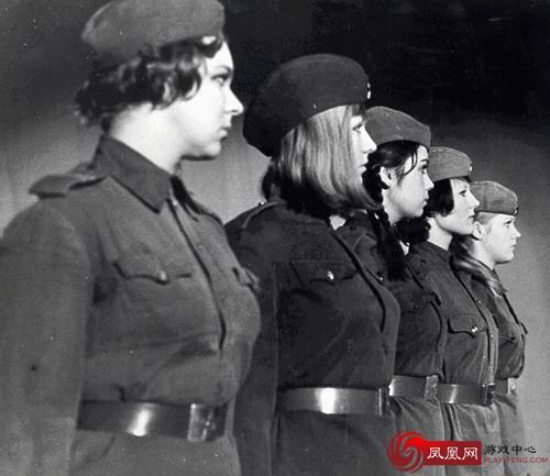 苏军对妇女暴行图片图,苏军在二战中的暴行图,苏军对德国妇女暴行