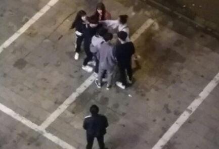 王乐乐当爹孩子正面照曝光,王乐乐当街殴打怀孕女友杨青柠视频图