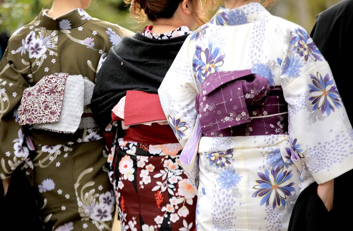 日本女人穿的和服后面是什么,日本女人和服里隐藏的秘密