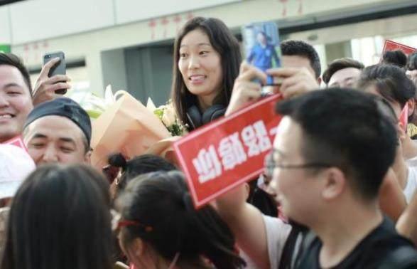朱婷的男朋友是谁资料照片,中国女排朱婷结婚了吗